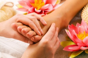 Thai-Massage-foot_massage4